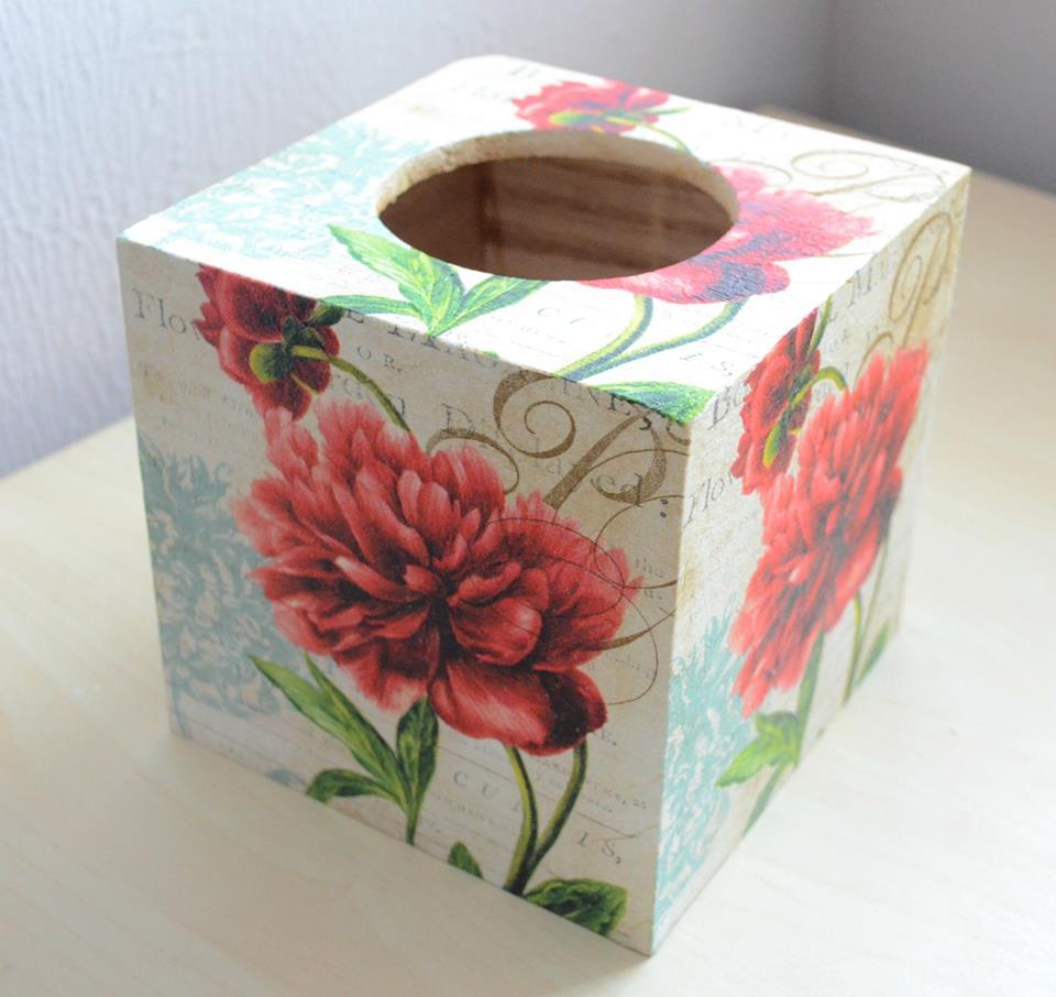 kosmetiktuchbox rosegarden by planetbox. Black Bedroom Furniture Sets. Home Design Ideas